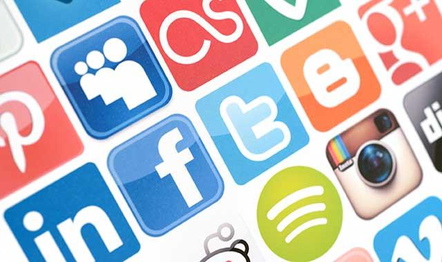Business-Social-Media-Sum15