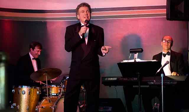 Mike Williamson performs at many local venues with his bandmates, pianist Bob Rub and drummer Bob DeVita. (Samantha Ryan photo)