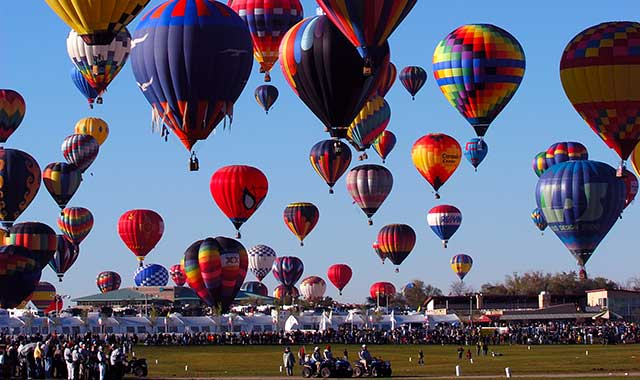 Take a ride in a hot air balloon and enjoy live music during the Great Galena Balloon Race from June 17-19, in Galena, Ill.