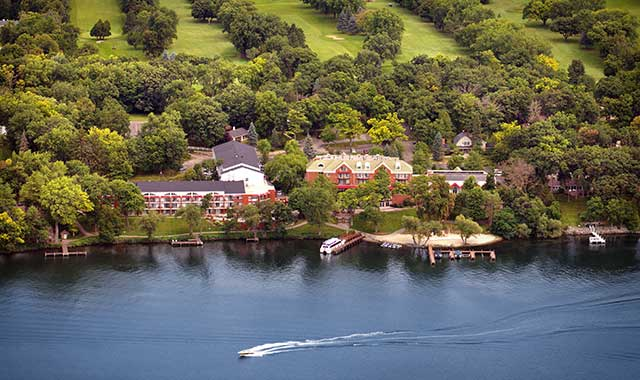 Heidel House's location on the shores of Green Lake, in Wisconsin, puts it in an optimal location for recreation, dining and relaxing – and, of course, exploring the city of Green Lake.