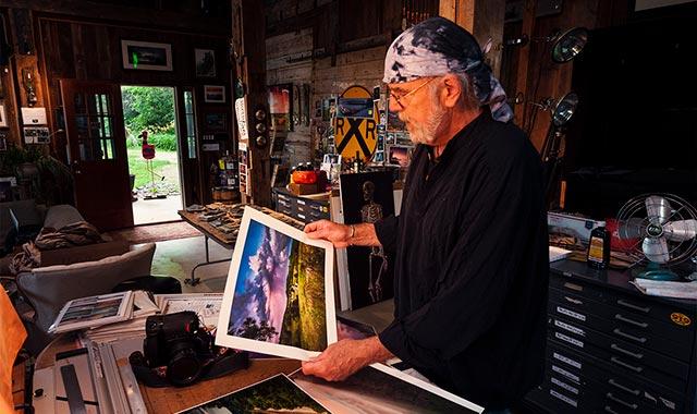 Henry Matthiessen III proofs his prints at Stoned Art Studio, in Elizabeth, Ill., one of many stops on The Northwest Illinois Scenic Art Loop. (Jean Matthiessen III photo)